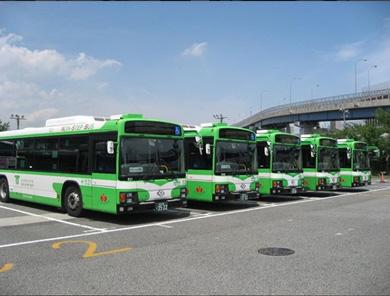 神戸 バス停 うちわ ライトグリーン 車体 インスタグラム