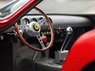 フェラーリ 250 GTO オークション 史上最高額