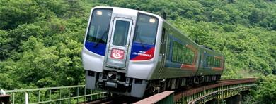特急「宇和海」などで予讃線を走る2000系気動車