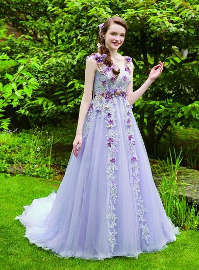 7116a1bfa5360 ディズニー公認ウエディングドレスの新作が. 出典:image.itmedia.co.jp
