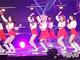 GirlsAward 2018 A/W:K-POPガールズグループ「MOMOLAND」の腰クネダンスに女子熱狂! 圧倒的美脚を見せつける