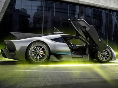 F1譲りのハイブリッドシステムを搭載