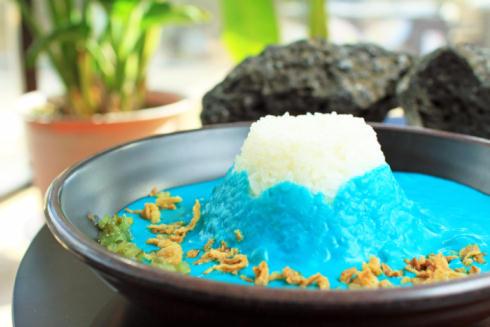 青い富士山カレー01