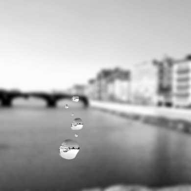 水滴 表現 方法 写真 ぼかし 回転 背景 貼り付け 加工