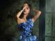 「ウエストには割と自信がありまして」 藤田ニコル、デザイン監修のウエディングドレス姿で肉体美もアピール