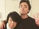 「20年以上の仲良しコンビ」 山田孝之&上地雄輔が肩組み2ショット、ノック音からの「ウェーイ」で熱い友情を確認