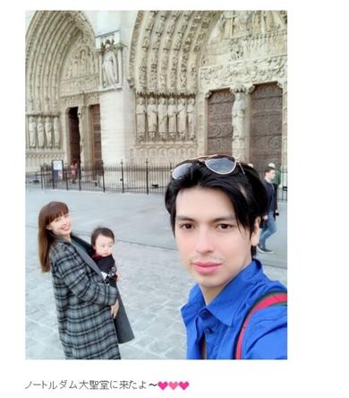 川崎希 アレクサンダー おちびーぬ パリ ノートルダム大聖堂 ディズニーランドパリ スリ