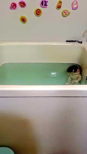 お風呂  怖い ホラー 人形 赤ちゃん