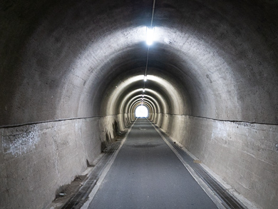 横須賀 トンネルカード トンネル 平沼義之 隧道 めぐり 旅 千駄隧道 暗い