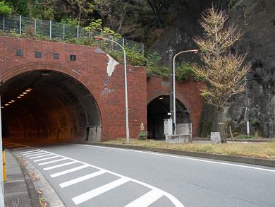 横須賀 トンネルカード トンネル 平沼義之 隧道 めぐり 旅 28サンチ砲台に行く途中にあるトンネル