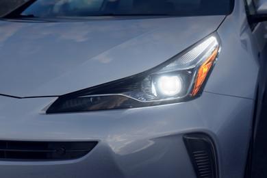 ヘッドライト、テールライトのデザインを変更