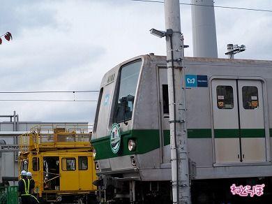 千代田線6000系真横