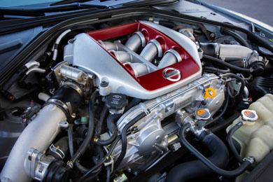 3.8リッターのV6エンジン「VR38DETT」は、NISMOモデルでは最大600馬力を発生