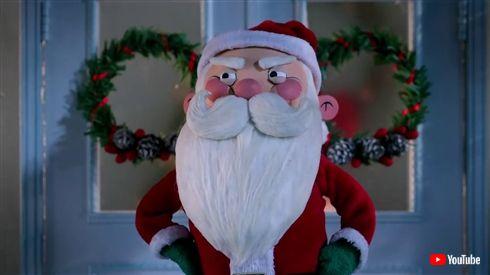 「ザ・プレデター」ホリデースペシャル動画を公開 サンタクロースとプレデターが血で血を洗う戦いを繰り広げる