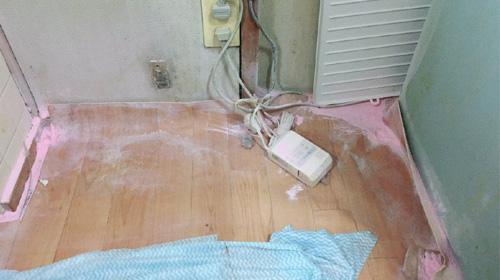 粉まみれの部屋