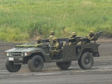 メガクルーザー HMV 自衛隊