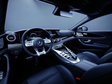 AMG GT 4ドアクーペ:内装