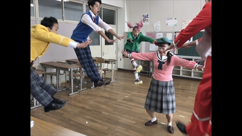 青山テルマ と思いきやダンスなう Kemio カオス MV ラップ 森翔太 パロディー 映像作家