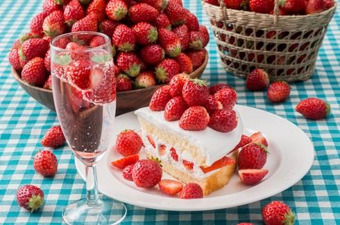 ケーキにトッピング
