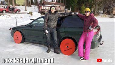 タイヤの代わりに丸ノコを装着したクルマ