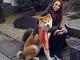 """「とてもかわいく、とてもスマート」 ザギトワ、日本で愛犬マサルとうり二つの""""妹""""に出会い完全メロメロモード"""