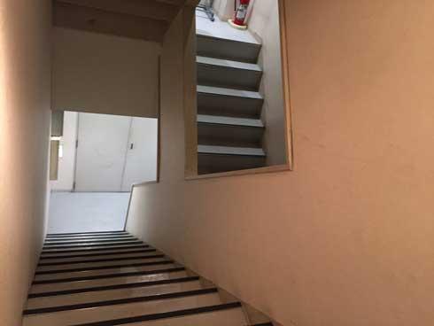 階段 エッシャー 作り ビル たどり着けない 混乱 錯視 ややこしい