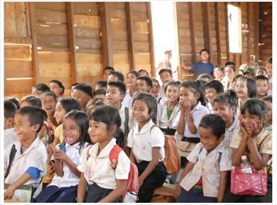 西野亮廣 キングコング 絵本 チックタック 約束の時計台 印税 ラオス ララ村 小学校 貧困国