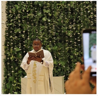 アントニー マテンロウ 牧師 チョコレートプラネット 松尾 結婚式