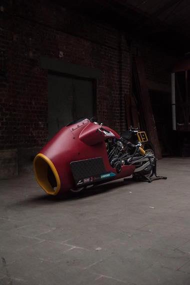 インディアン スカウト・ボバー ドラッグレース バイク カスタム