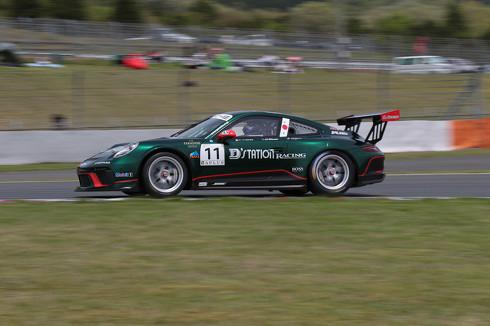 レーシングカー 流し撮り 方法