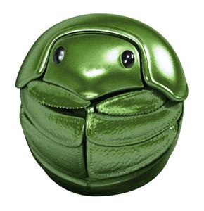 丸まった緑のマンマルコガネ