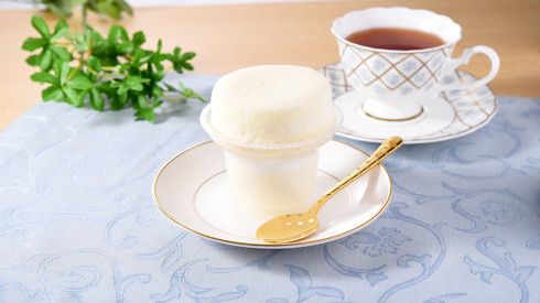 ファミリーマートまっ白ミルクのスフレ・プリン