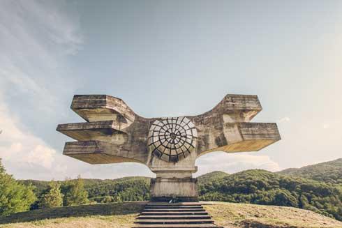 写真集 星野藍 旧共産遺産 廃墟 建築物 スポメニック 戦争記念碑