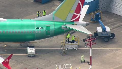 ボーイング737 駐車場 墜落事故 運航禁止