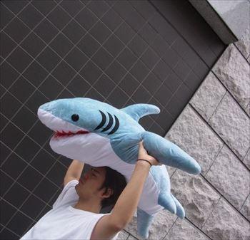 サメ抱き枕