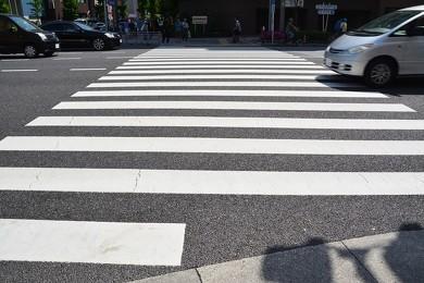 ゼブラ型の横断歩道
