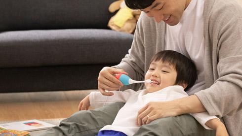子どもが歯磨きをしているところ