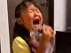 誕生日プレゼントのHIKAKINぬいぐるみに大号泣 大喜びの女の子の動画が人気、HIKAKINさん本人も反応