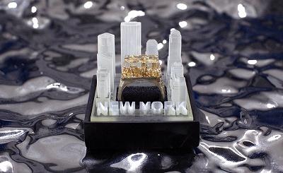 都市を封じ込めた指輪