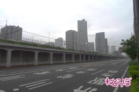 東横線桜木町駅高架下