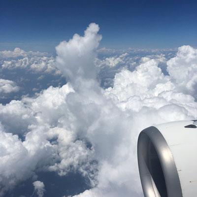 雲にラクガキ