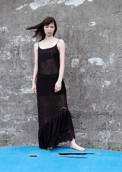 ミオ 仲村トオル 鷲尾いさ子 娘 写真集 ドレス姿