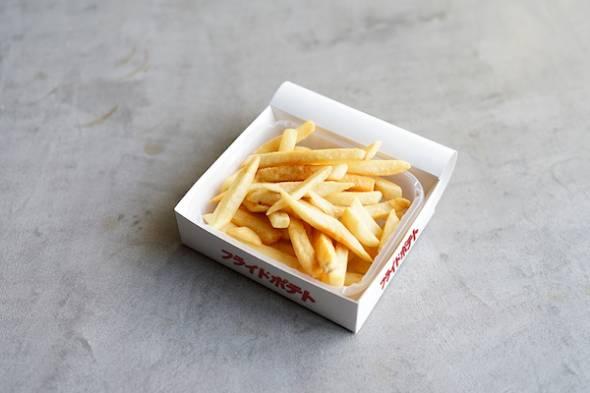 「天気の子」コラボカフェメニュー「3人で食べた豪華なディナー/フライドポテト」イメージ