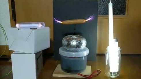 家庭的 テスラコイル 料理 ソーセージ ウインナー 放電 きょうの料理