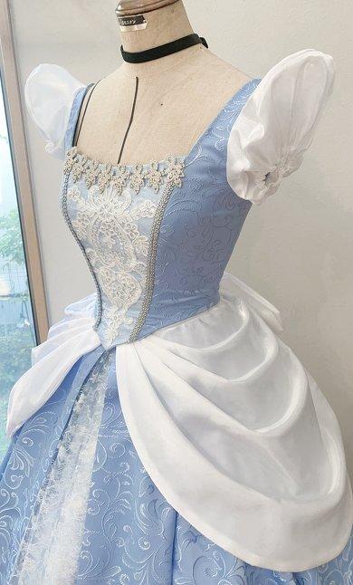 まるで魔法\u2026\u2026! 材料費2万円で手作りされた「シンデレラのドレス