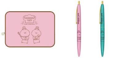 (左)マルチケース(1種)/2300円、(右)BIGボールペン(計2種)/400円