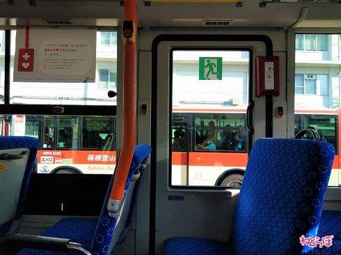 JR国府津駅で並んでいた箱根登山バスは満員