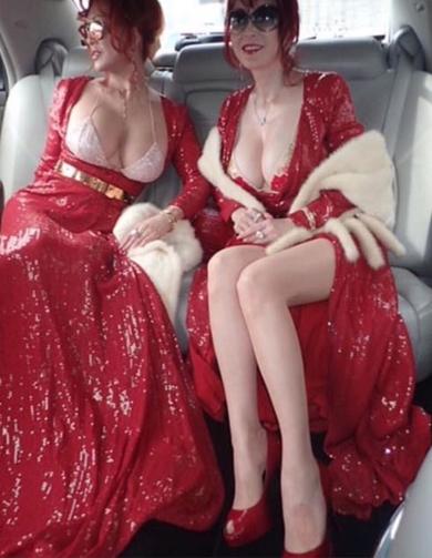 叶姉妹 ドレス 巨乳 露出度 興奮