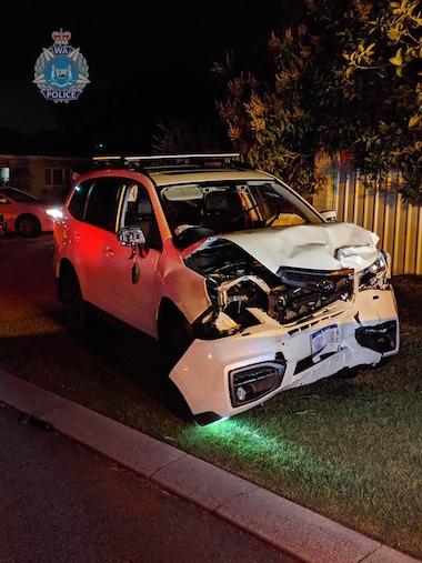 オーストラリア 事故 ランボルギーニ スバル トヨタ 少年