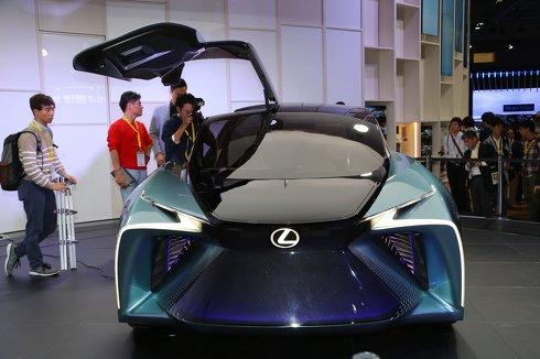世界初公開 レクサス EVコンセプトカー LF-30 Electrified